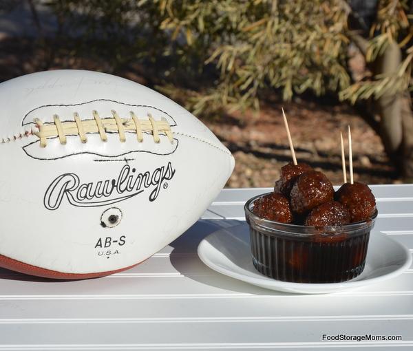 Super Easy Spicy Buffalo Meatballs Appetizer | via www.foodstoragemoms.com