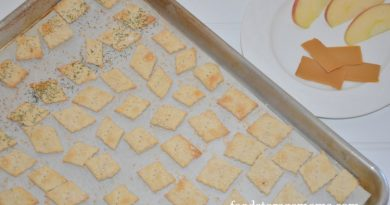 How To Make Crackers In One Hour by FoodStorageMoms.com