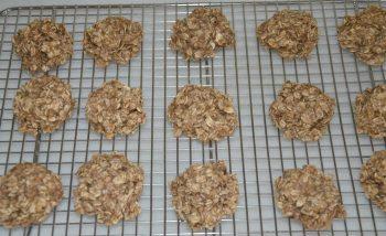 2-Ingredient Healthy Breakfast Cookies