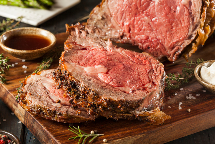 Prime Rib Cooked sliced on PLte