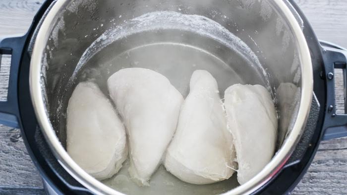 Instant Pot® Buffalo Chicken Bacon Sandwiches