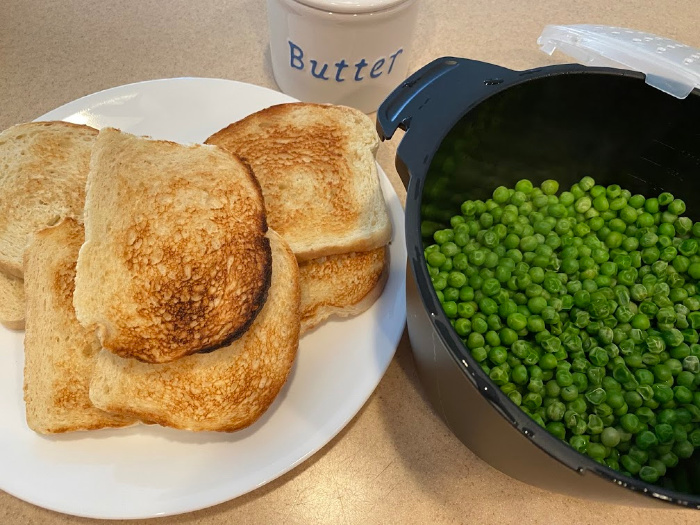 Serve with toast and peas