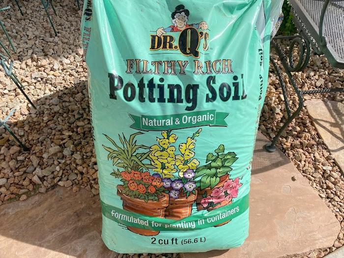 r. Q Organic Container Soil