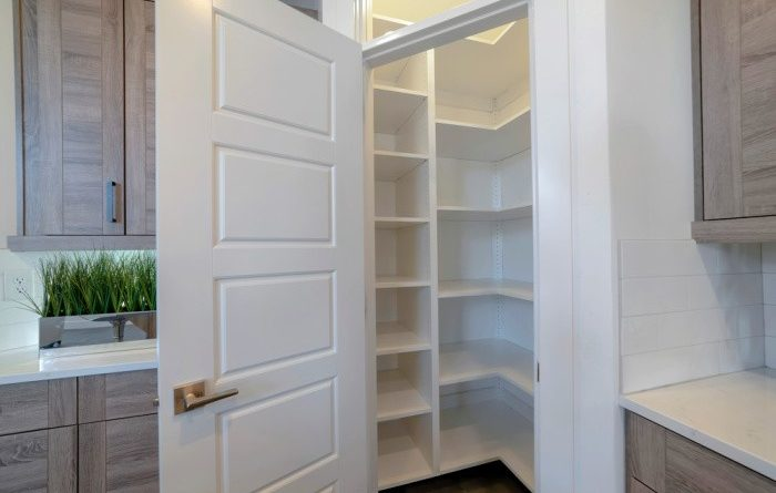 What You Need In Your Pantry Cabinet